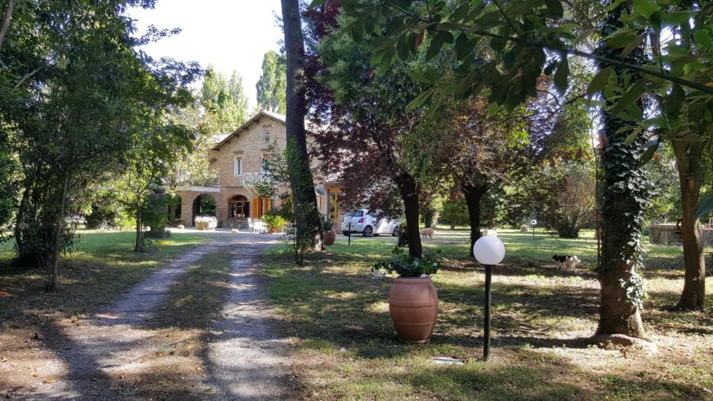Elegante villa anni '40 immersa in un bellissimo parco - San Giovanni in Marignano