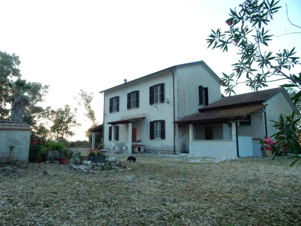 Country/Farmhouse Terracina - Terracina