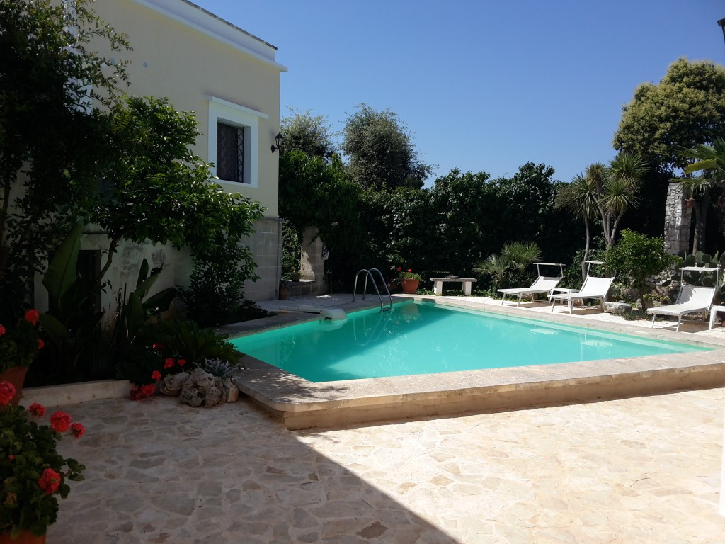 In Ostuni holiday homes in old farmhouse surrounded by green - Ostuni