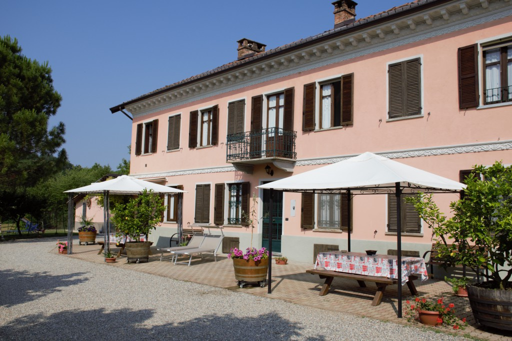 IMMERSED IN THE COUNTRY IN THE HEART OF GREEN MONFERRATO - Castell'Alfero