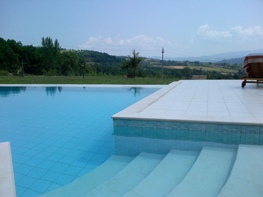Casa immersa nelle colline umbre con piscina - Todi