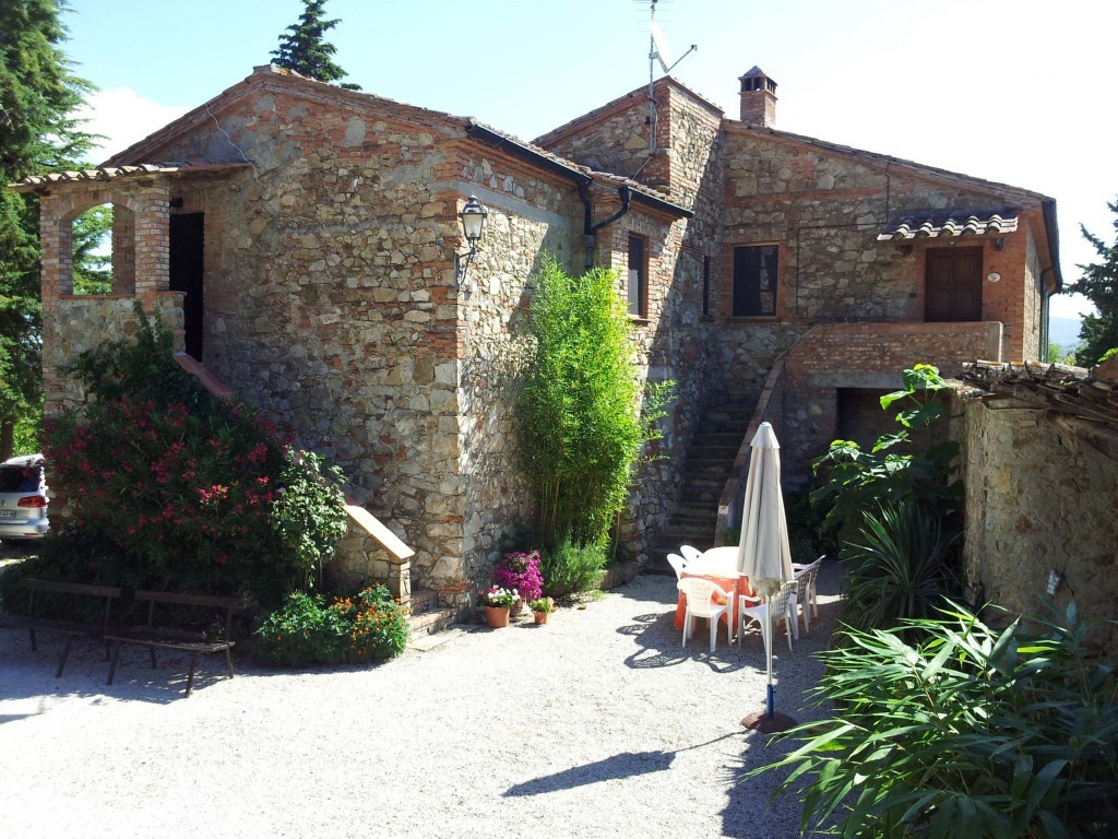 Wonderful Farmhouse immerse in the hilly Tuscan countryside - Castelnuovo di Val di Cecina