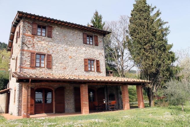 Country/Farmhouse Cològnora in Val di Roggio - Pescaglia