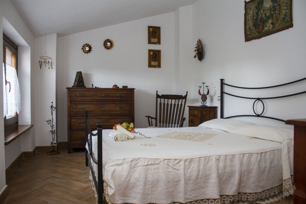 CASA VACANZE BUROCCO (30 km. da Assisi) - Gualdo Tadino