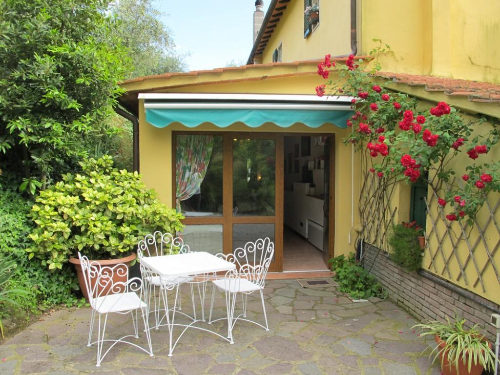 Porzione di colonica in oliveta con giardino e piscina - Uzzano