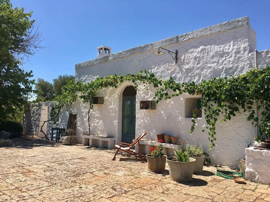 Tipica casa rurale pugliese  - Ceglie Messapica