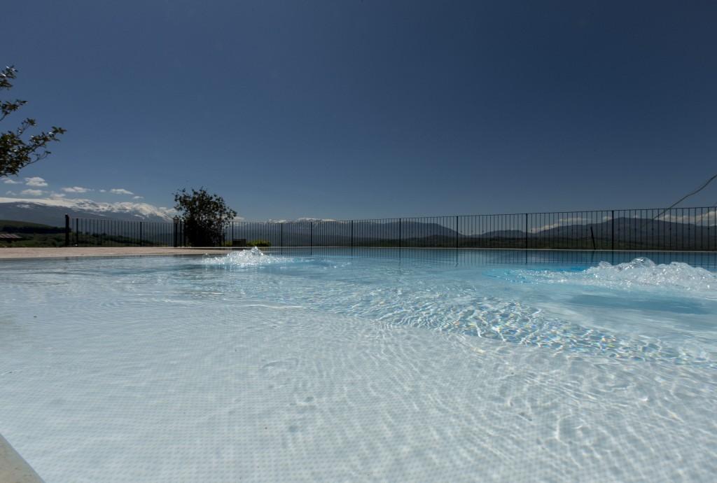 Villa con piscina, in una valle mozzafiato. - Rosciano