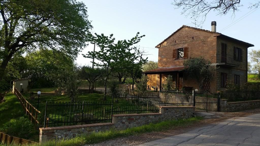 Grande casa di campagna su due piani - Città della Pieve