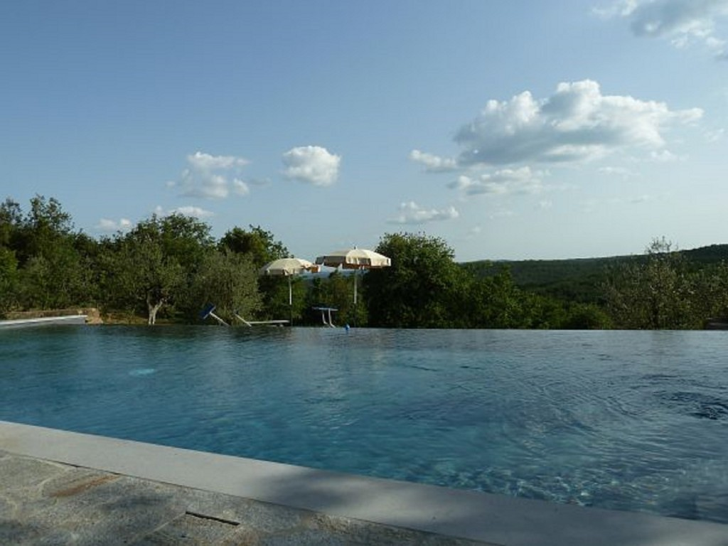 Rural house surrounded by the hills with infinity pool - Monte San Savino