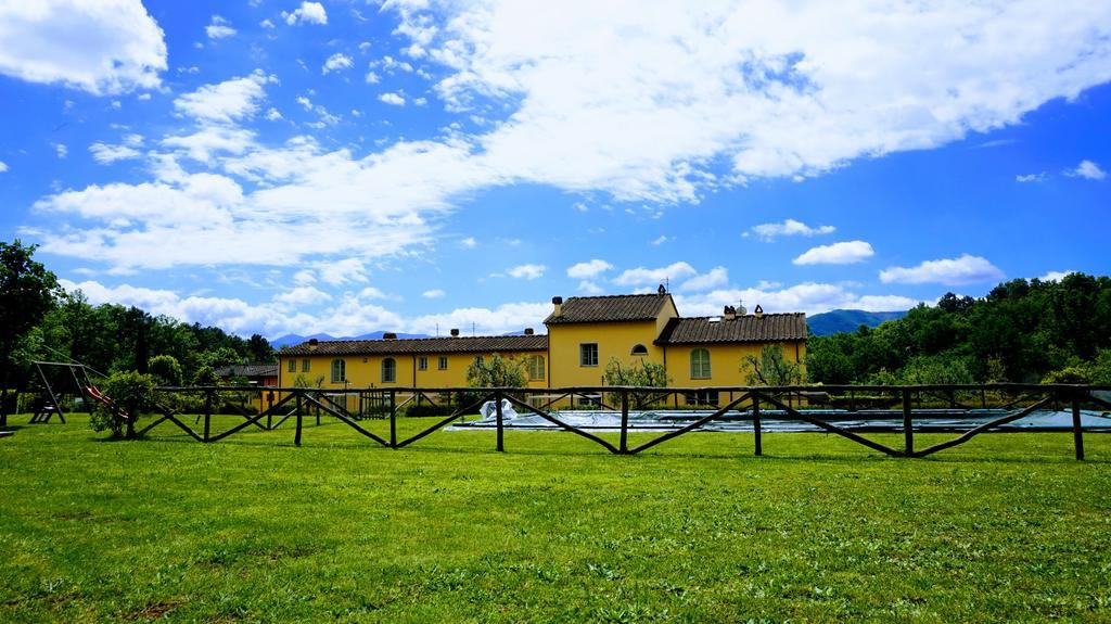 SunnySide, Tuscan FarmHouse on quiet Lucca Hills - Lucca