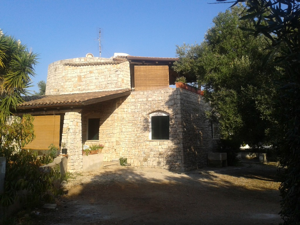 Striking stone house 5 min walk from the sea - Patù
