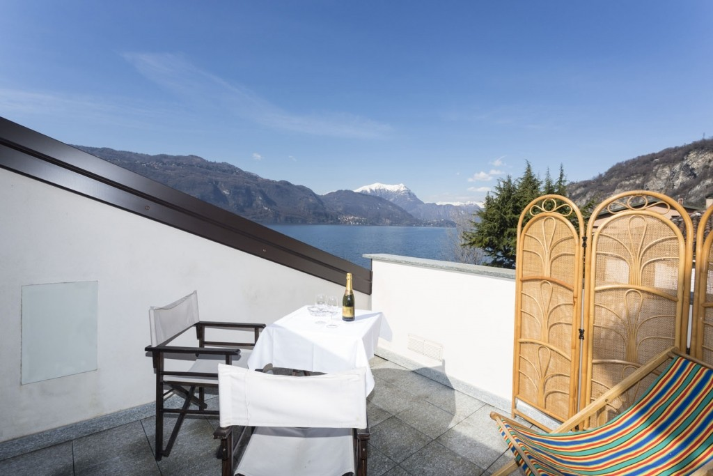 B&B FRONTELAGO - Lago di Como - - Mandello del Lario