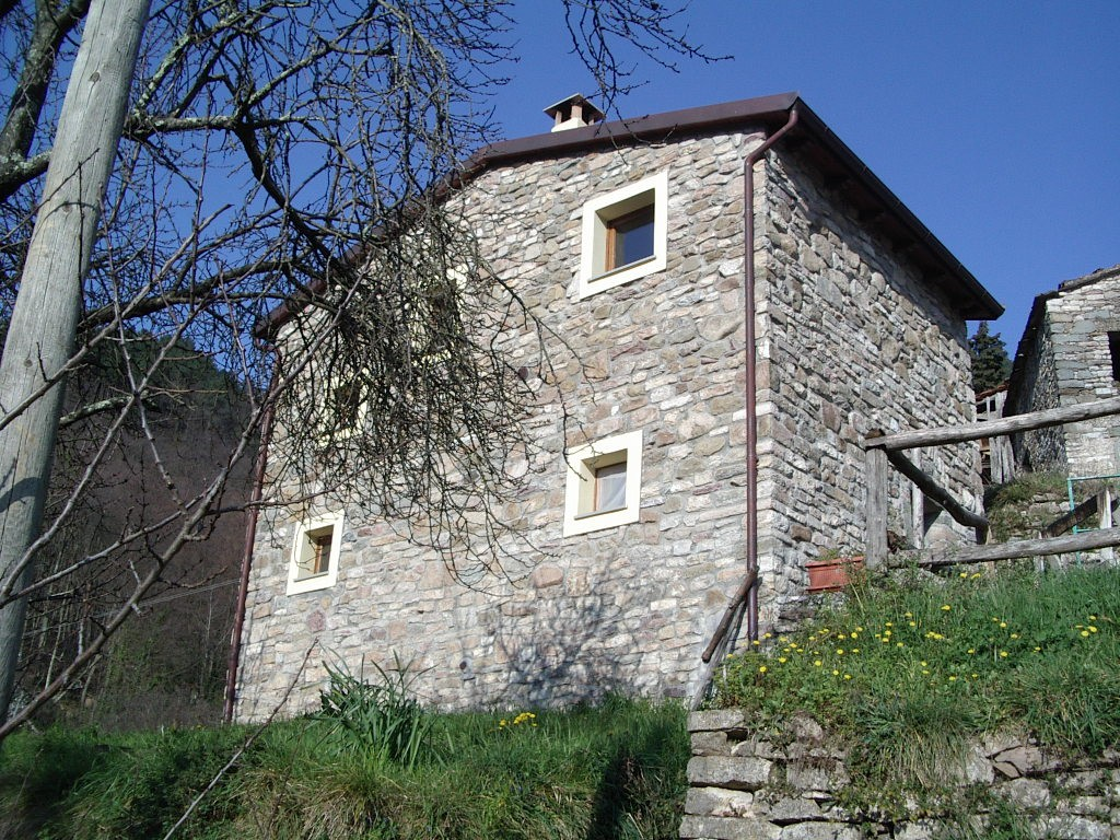 detached house surrounded by nelverde - La Spezia