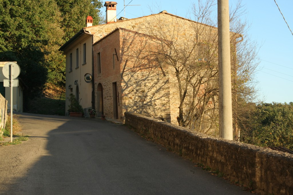 TUSCAN FARMHOUSE FINELY RESTORED with AIR-CONDITIONING  - Arezzo