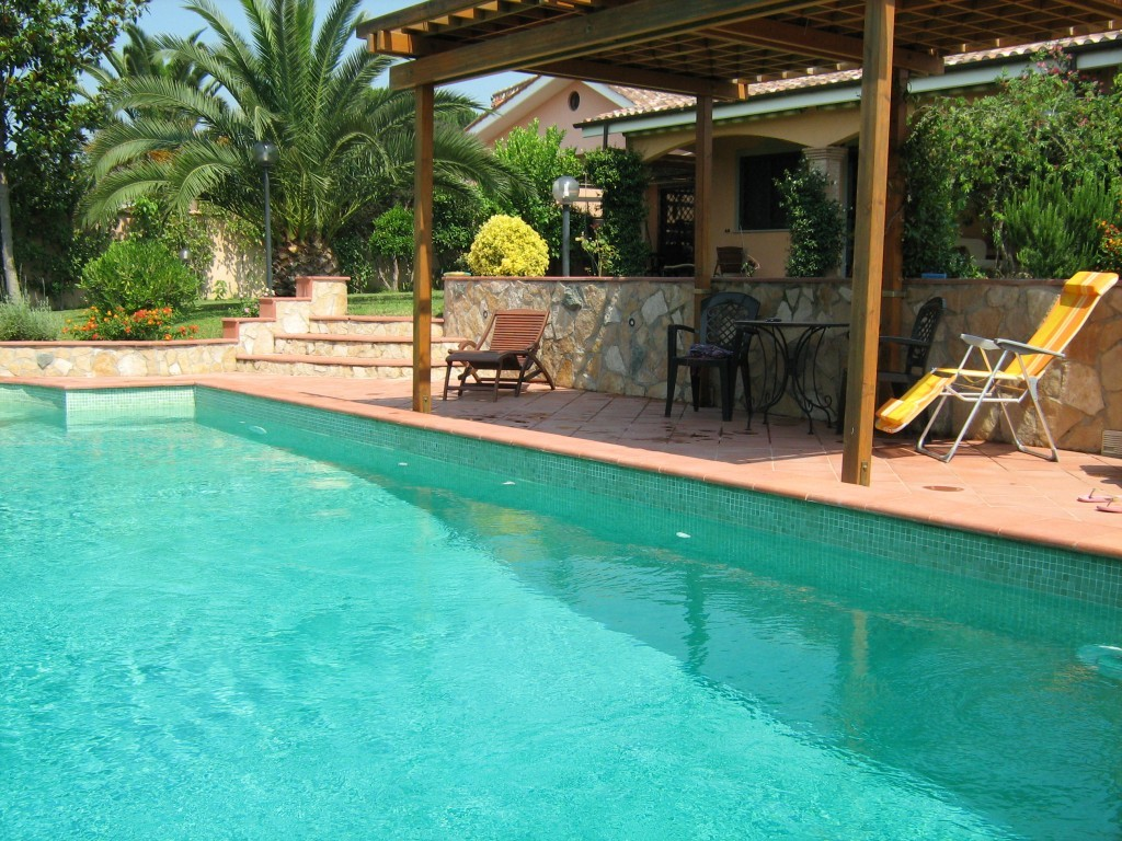 ELEGANT B&B IN VILLA WITH POOL A FEW STEPS FROM ROME - Pomezia